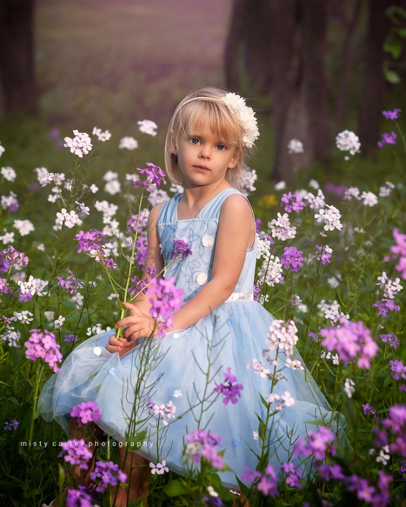 girl-in-flowers_princess-styled-dream-session_8x10