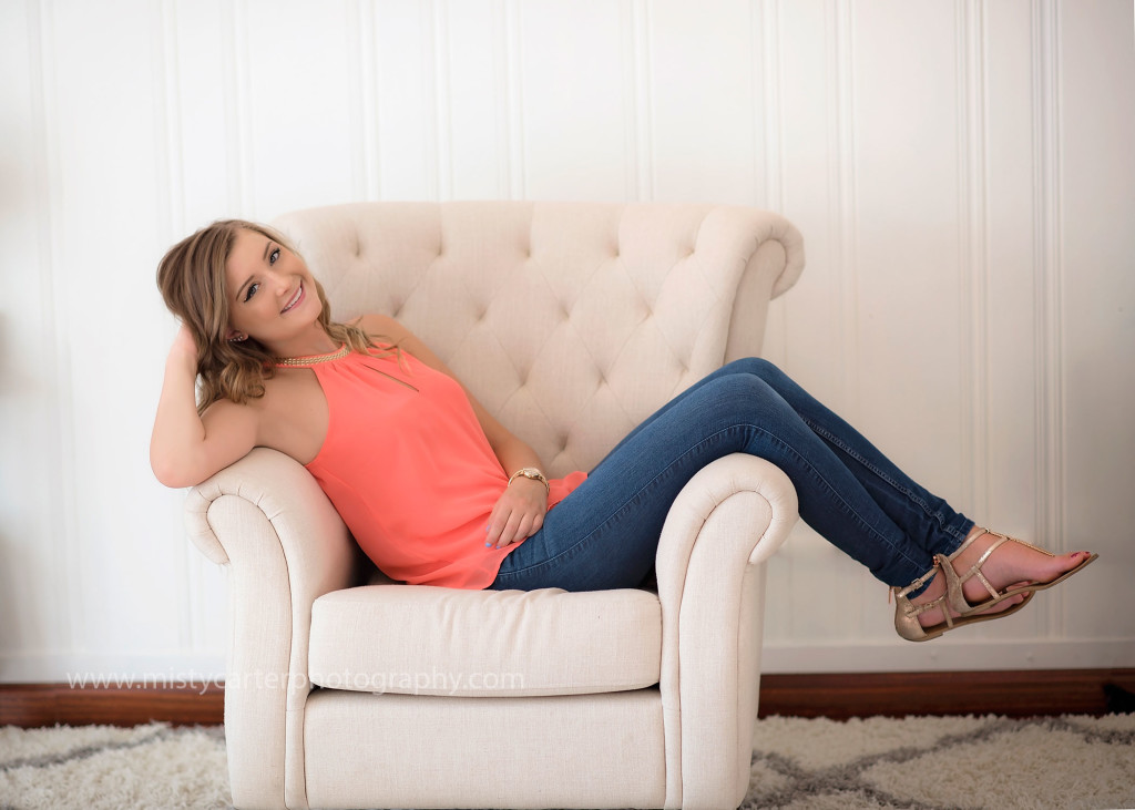 senior pictures, chill and fun, kicked back on chair
