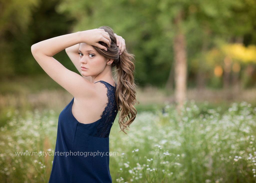 model pose for senior pictures