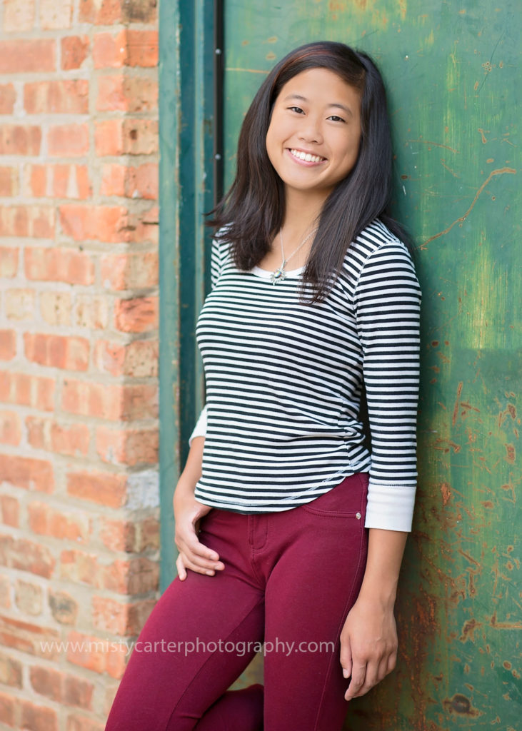 senior pictures downtown urban alley