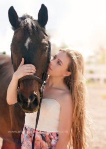 high school senior pictures with horse