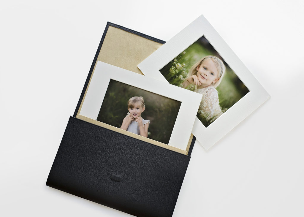 child photographer picture display